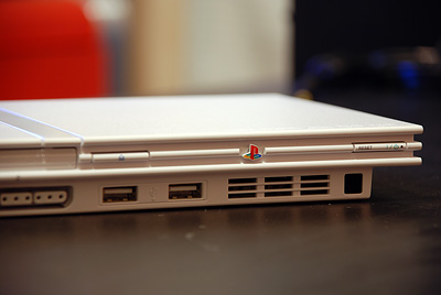 薄型Playstation2